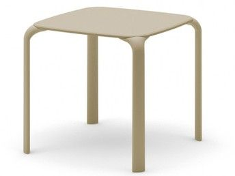 06e9dff318c34a9352c2b1c6ed0d4139--square-tables-table-and-chairs