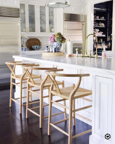 wishbone-counter-stools-in-sue-de-chiara-kitchen