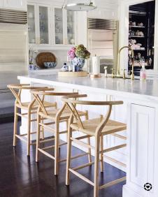 wishbone-counter-stools-in-sue-de-chiara-kitchen